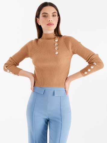 Ribbed turtleneck with gold buttons, caramel brown Ribbed turtleneck with gold buttons, caramel brown Rinascimento