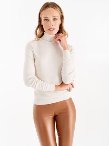 Knit turtleneck top, cream Knit turtleneck top, cream Rinascimento