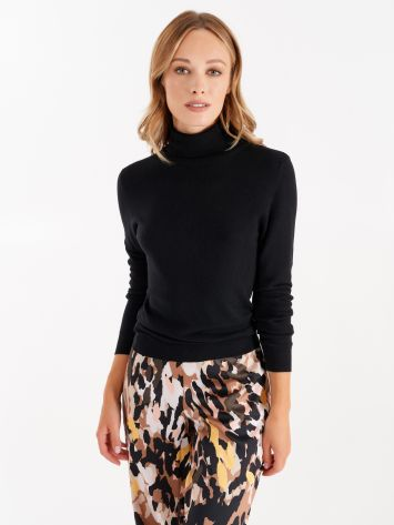 Knit turtleneck top, black Knit turtleneck top, black Rinascimento