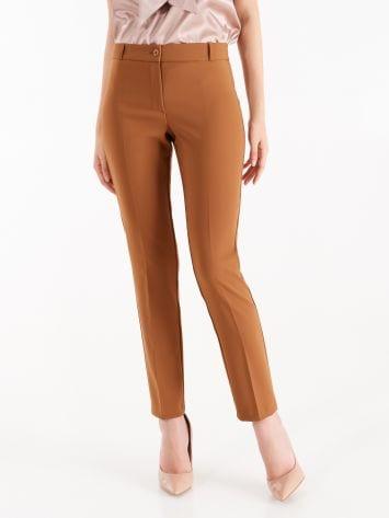 Pantaloni in Tessuto Tecnico color Marrone Caramello Pantaloni in Tessuto Tecnico color Marrone Caramello Rinascimento