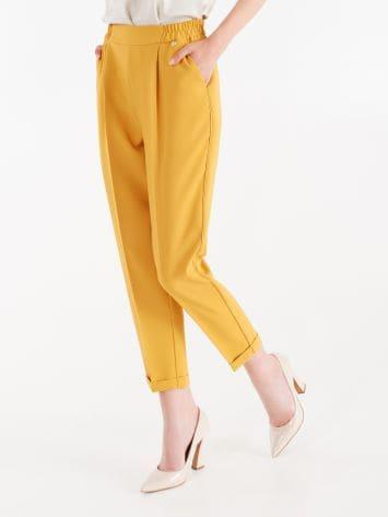 Pantaloni Jogger in Tessuto Tecnico color Ocra Pantaloni Jogger in Tessuto Tecnico color Ocra Rinascimento