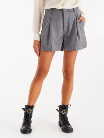 Shorts in masculine fabric Shorts in masculine fabric Rinascimento
