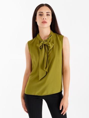 Top with bow, oil green Top with bow, oil green Rinascimento