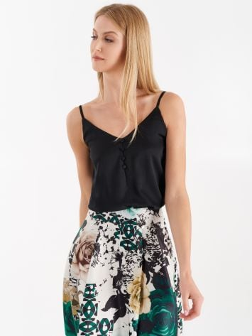 Crêpe top with small covered buttons, black Crêpe top with small covered buttons, black Rinascimento