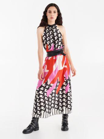 Longue robe imprimée en satin