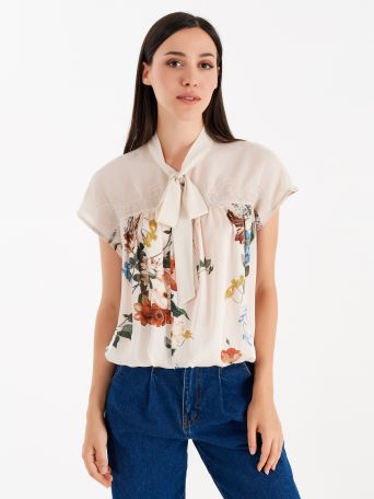 Satin crepe blouse with floral print