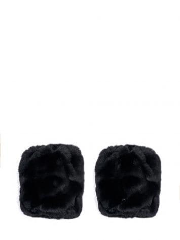 Fur cuffs Fur cuffs Rinascimento