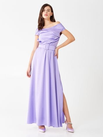 Langes Kleid aus Satin Langes Kleid aus Satin Rinascimento