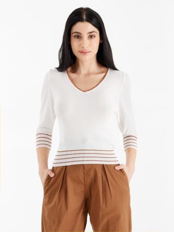 Two-tone top with V-neck neckline Two-tone top with V-neck neckline Rinascimento