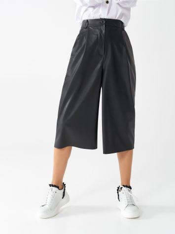 Faux leather culottes Faux leather culottes Rinascimento