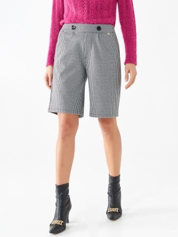 Bermuda trousers with houndstooth pattern Bermuda trousers with houndstooth pattern Rinascimento