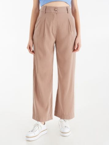 High-waist, fluid trousers High-waist, fluid trousers Rinascimento