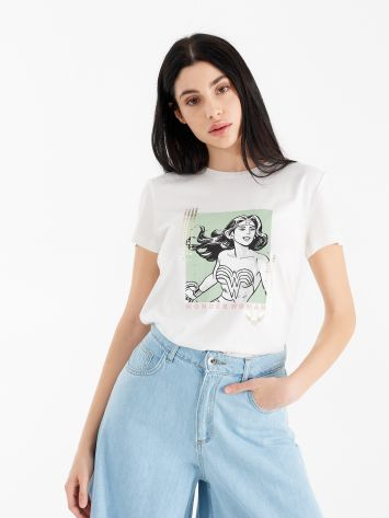 T-shirt with Wonder Woman illustration T-shirt with Wonder Woman illustration Rinascimento