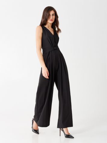 One-piece palazzo suit with bow One-piece palazzo suit with bow Rinascimento