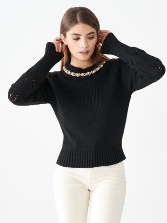 Top with round pearl neckline