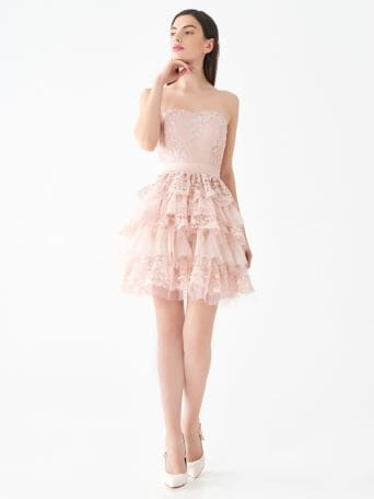 Short lace dress with ruffles