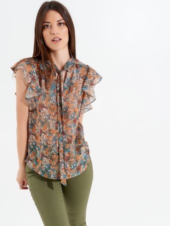 Georgette top with floral print.