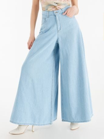 Extra-wide leg jeans